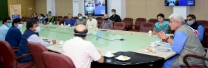 Hon'ble LG J&K UT interacting with the Officers of H&UDD and other participants